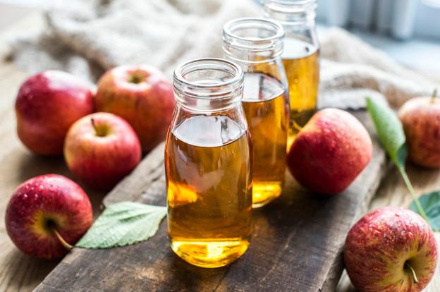 Sử dụng giấm táo điều trị mục cóc