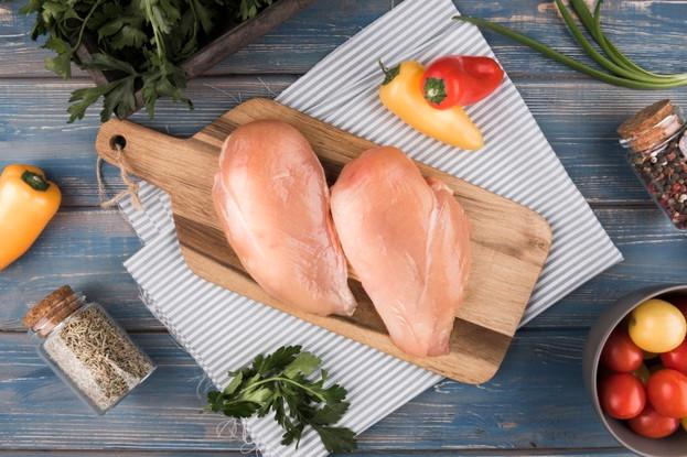Ức gà một món ăn Lowcab tốt nhất cho người tập tạ