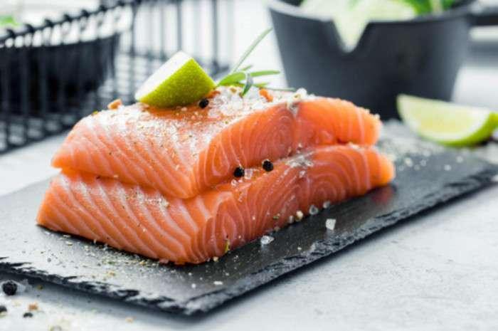 Cá hồi là nguồn cung cấp Vitamin D